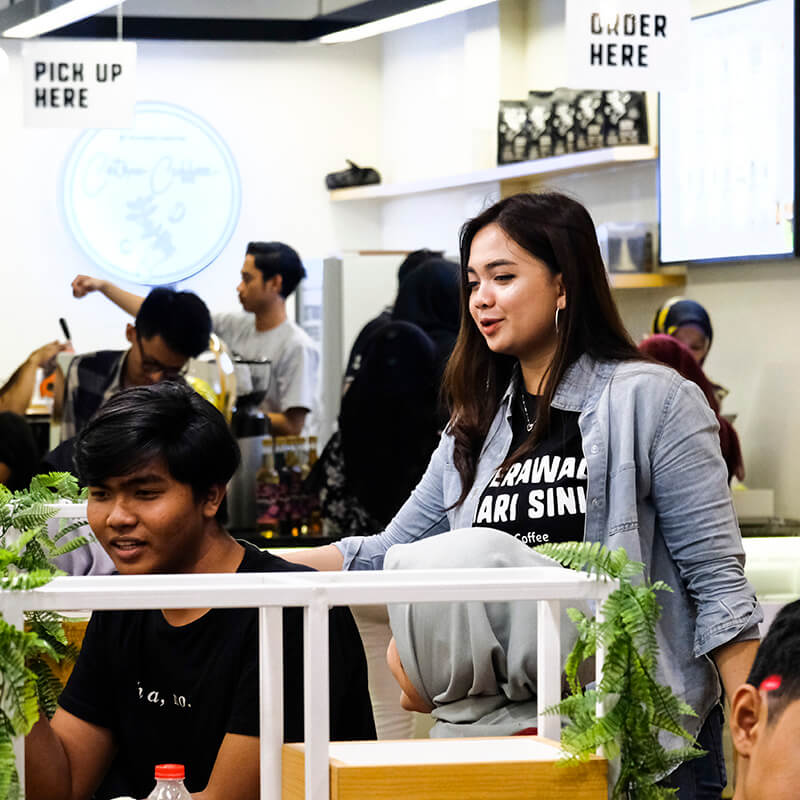 Viral Cewek Cantik Dan Sexy Nongkrong di Cafe Cetroo Coffee Bekasi